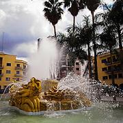 LAS TONINAS DE NARVAEZ<br /> Caracas - Venezuela 2008<br /> Photography by Aaron Sosa<br /> <br /> Las Toninas de Narvaez se encuentran ubicadas en la Plaza O'leary en pleno centro de la ciudad capital, justo al frente de la Urbanización El Silencio.