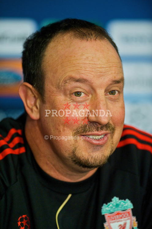 BUDAPEST, HUNGARY - Monday, November 23, 2009: Liverpool's manager Rafael Benitez during a press conference at the Ferenc Puskas Stadium ahead of the UEFA Champions League Group E match against Debreceni VSC. (Pic by David Rawcliffe/Propaganda)
