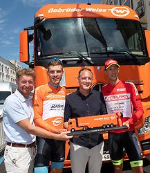 06.07.2019, Wels, AUT, Ö-Tour, Österreich Radrundfahrt, Siegerehrung, Prolog, Einzelzeitfahren (2,5 km), im Bild v.l. Gerhard Kroiß (Vbg. Wels), Matthias Brändle (AUT, Israel Cycling Academy), Jannik Steimle (GER, Team Vorarlberg Santic), Klaus Bannwarth (Fa. Gebrüder Weiss) // f.l. Gerhard Kroiß (Vize Major of Wels) Matthias Brändle of Austria (Israel Cycling Academy) Jannik Steimle of Germany (Team Vorarlberg Santic) Klaus Bannwarth of Austria (Fa. Gebrüder Weiss) during the winner ceremony of prolog, Individual time trial (2,5 Km) of the 2019 Tour of Austria. Wels, Austria on 2019/07/06. EXPA Pictures © 2019, PhotoCredit: EXPA/ Reinhard Eisenbauer