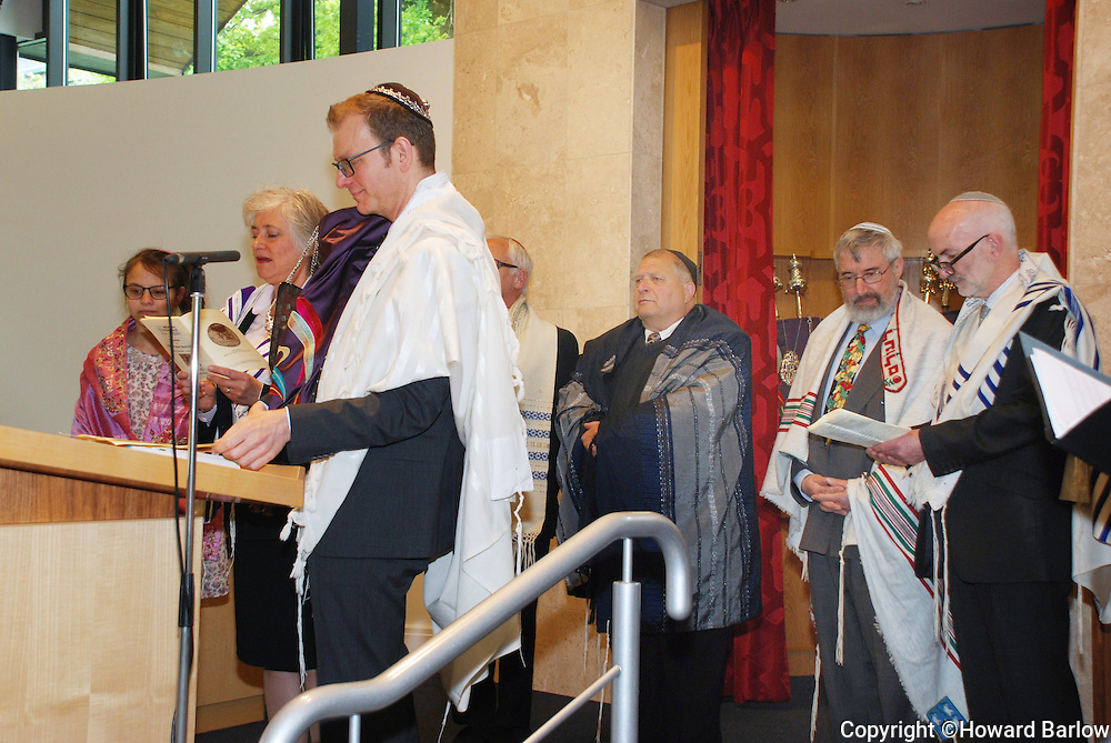 31-5-2015 MANCHESTER: Induction Service of Menorah Synagogue's RABBI FABIAN SBOROVSKY.  Rabbi Fabian Sborovsky holds a scroll during the service.