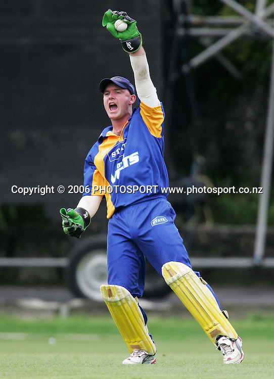 Otago wicketkeeper Gareth Hopkins appeals unsuccessfully during the State Shield match between the State Auckland Aces and the State Otago Volts held at the Eden Park Outer Oval in Auckland, New Zealand on Tuesday, 16 January 2007. Auckland won the match by 6 wickets. Photo: Tim Hales/PHOTOSPORT