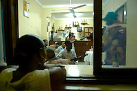 13 JAN 2006, SAO FELIPE/FOGO/CABO VERDE:<br /> Live Musik in der Bar Restaurante Maria Amelia, Sao Felipe, Insel Fogo<br /> Live music into the Bar Restaurante Maria Amelia, Sao Felipe, Island Fogo<br /> IMAGE: 20060131-01-029<br /> KEYWORDS: Reise, Travel, Restaurant, Third World, Dritte Welt