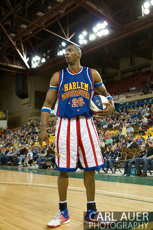 April 30th, 2010 - Anchorage, Alaska:  Hi-Lite Bruton (26) of the World Famous Harlem Globetrotters takes a break from game action to have some fun with the fans at the Washington Generals expense.