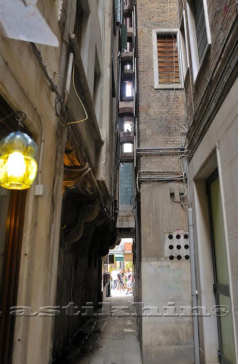 Venecian passage