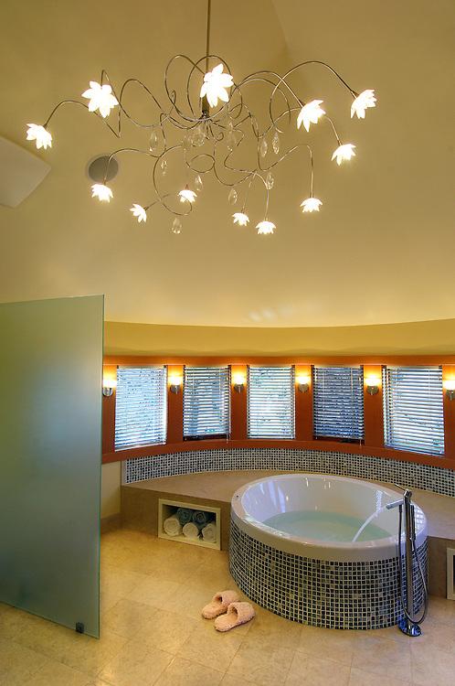 Master Bathroom, Porino House, Bend, Oregon, USA