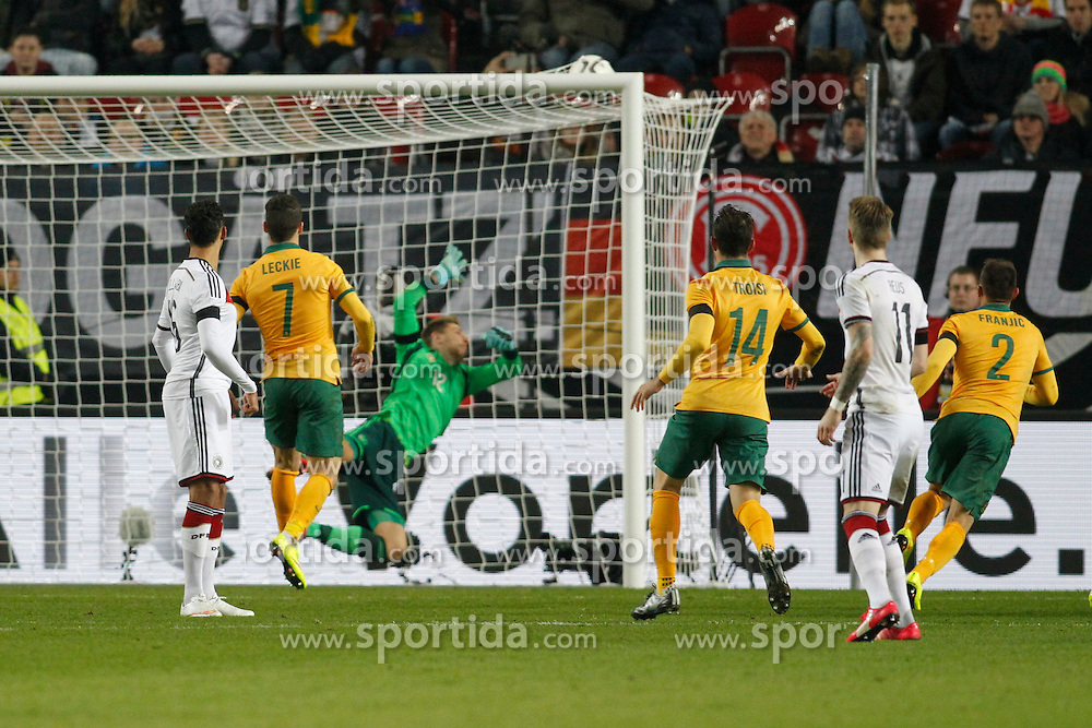 25.03.2015, Fritz Walter Stadion, Kaiserslautern, GER, FS Vorbereitung, Deutschland vs Australien, DFB L&auml;nderspiel, im Bild Torwart Ron-Robert Zieler (Hannover 96) geschlagen nach dem Freistoss von Mile Jedinak (Cyrstal Palace - nicht im Bild) zum 2:1 // during the international frindly football macht between Germany and Australia at the Fritz Walter Stadion in Kaiserslautern, Germany on 2015/03/25. EXPA Pictures &copy; 2015, PhotoCredit: EXPA/ Eibner-Pressefoto/ Sch&uuml;ler<br /> <br /> *****ATTENTION - OUT of GER*****