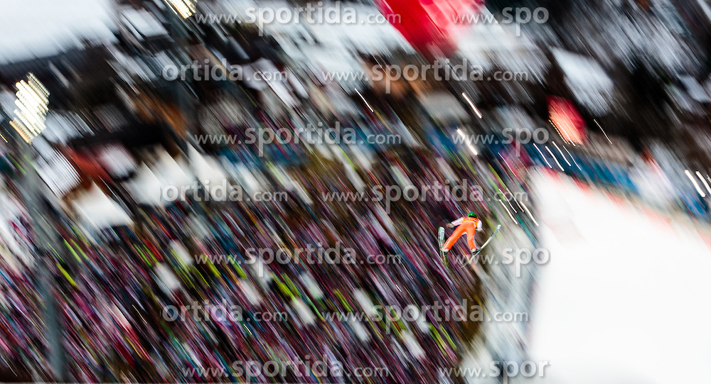 06.01.2016, Paul Ausserleitner Schanze, Bischofshofen, AUT, FIS Weltcup Ski Sprung, Vierschanzentournee, Bischofshofen, Probedurchgang, im Bild Peter Prevc (SLO) // Peter Prevc of Slovenia during his trial jump of the Four Hills Tournament of FIS Ski Jumping World Cup at the Paul Ausserleitner Schanze in Bischofshofen, Austria on 2016/01/06. EXPA Pictures © 2016, PhotoCredit: EXPA/ JFK
