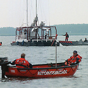 Brandweer duikers op zoek naar vermiste Huizer Willem Vos bij de Aanloophaven