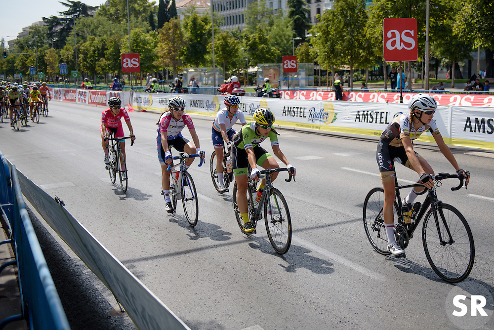 Splits start to show in the early laps but nothing is getting away at Madrid Challenge by La Vuelta an 87km road race in Madrid, Spain on 11th September 2016.