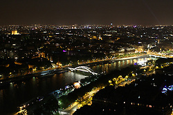 29.04.2011, Paris, Frankreich, FRA, Feature, Pariser Impression, im Bild Nachtaufname vom Eifelturm auf die Saine mit dem Arc de Triomphe , EXPA Pictures © 2011, PhotoCredit: EXPA/ nph/  Straubmeier       ****** out of GER / SWE / CRO  / BEL ******