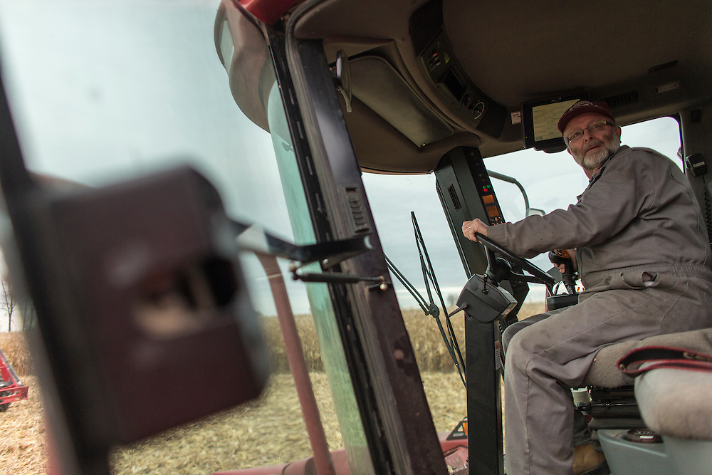 Tom Oegema of Oegema Grains Ltd. harvests his corn in his field inTalbotville, Ontario, Monday,  November 3, 2014.<br /> Farmers Forum/ Geoff Robins