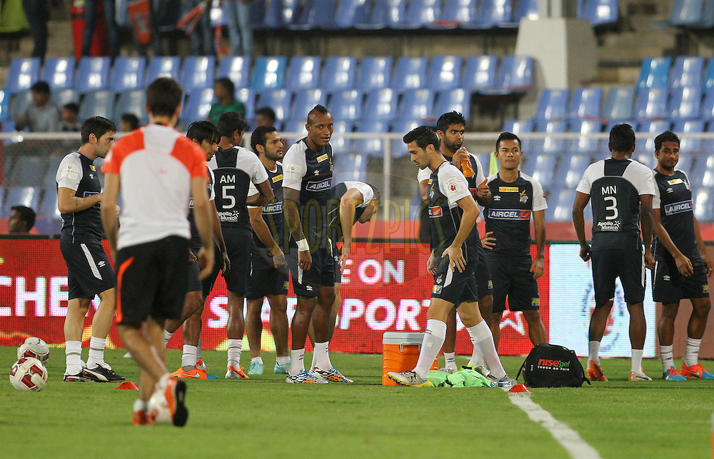 Atletico de Kolkata players warm up before the start of the match 44 of the Hero Indian Super League between FC Pune City and Atletico de Kolkata FC held at the Shree Shiv Chhatrapati Sports Complex Stadium, Pune, India on the 29th November 2014.<br /> <br /> Photo by:  Vipin Pawar/ ISL/ SPORTZPICS