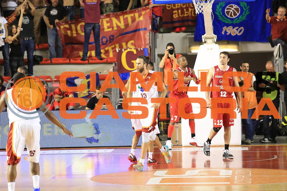 DESCRIZIONE : Roma Lega A 2012-2013 Acea Roma Trenkwalder Reggio Emilia playoff quarti di finale gara 1<br /> GIOCATORE : Datome Luigi<br /> CATEGORIA : esultanza<br /> SQUADRA : Acea Roma<br /> EVENTO : Campionato Lega A 2012-2013 playoff quarti di finale gara 1<br /> GARA : Acea Roma Trenkwalder Reggio Emilia<br /> DATA : 09/05/2013<br /> SPORT : Pallacanestro <br /> AUTORE : Agenzia Ciamillo-Castoria/M.Simoni<br /> Galleria : Lega Basket A 2012-2013  <br /> Fotonotizia : Roma Lega A 2012-2013 Acea Roma Trenkwalder Reggio Emilia playoff quarti di finale gara 1<br /> Predefinita :