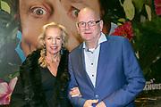 2017-10-30. Premiere van Harrie en Eva bij de Goudse Schouwburg in Gouda. Op de foto: Margreet Duin en Ruud de Graaf