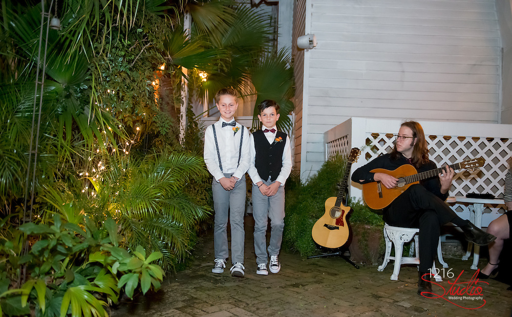 Scott & Liane Wedding Photography Samples   House Of Broel   1216 Studio Wedding Photography