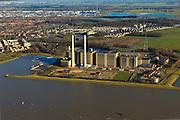 Nederland, Overijssel, Gemeente Zwolle, 20-01-2011; Centrale Harculo of IJsselcentrale, aardgas gestookt, aangevuld met bio-olie. In de achtergrond uitbreidingen van Zwolle-zuid (Oldenelerpark, Ittersumerpark)..Harculo or IJssel Powerplant, natural gas fired, supplemented by bio-oil luchtfoto (toeslag), aerial photo (additional fee required) foto/photo Siebe Swart