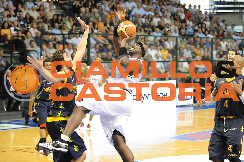 DESCRIZIONE : Ferrara Lega A 2008-09 Carife Ferrara Premiata Montegranaro<br /> GIOCATORE : Harold Jamison<br /> SQUADRA : Carife Ferrara<br /> EVENTO : Campionato Lega A 2008-2009<br /> GARA : Carife Ferrara Premiata Montegranaro<br /> DATA : 10/05/2009<br /> CATEGORIA : super tiro<br /> SPORT : Pallacanestro<br /> AUTORE : Agenzia Ciamillo-Castoria/M.Marchi<br /> Galleria : Lega Basket A1 2008-2009<br /> Fotonotizia : Ferrara Lega A 2008-2009 Carife Ferrara Premiata Montegranaro<br /> Predefinita :