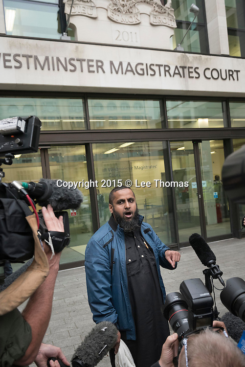 Westminster Magistrates Court, London, UK. 5th August, 2015. London, UK. Mohammed Shamsuddin gives a statement on behalf of Anjem Choudary who has been remanded in custody following his court appearance at Westminster Magistrates Court in London this afternoon. The extremist preacher is facing UK terrorism charges relating to Islamic State. // Lee Thomas, Flat 47a Park East Building, Bow Quarter, London, E3 2UT. Tel. 07784142973. Email: leepthomas@gmail.com. www.leept.co.uk (0000635435)