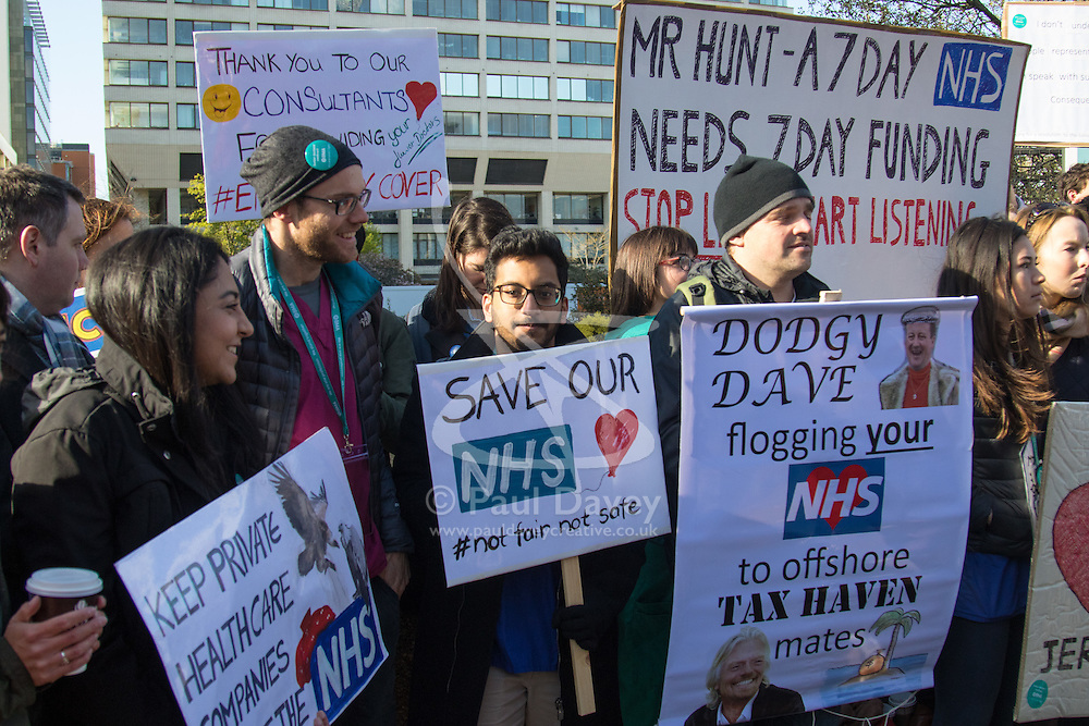 St Thomas's Hospital, London, April 26th 2016. Junior doctors picket St Thomas' hospital as they strike again against new contracts imposed on them by the Department of Health. ©Paul Davey<br /> FOR LICENCING CONTACT: Paul Davey +44 (0) 7966 016 296 paul@pauldaveycreative.co.uk