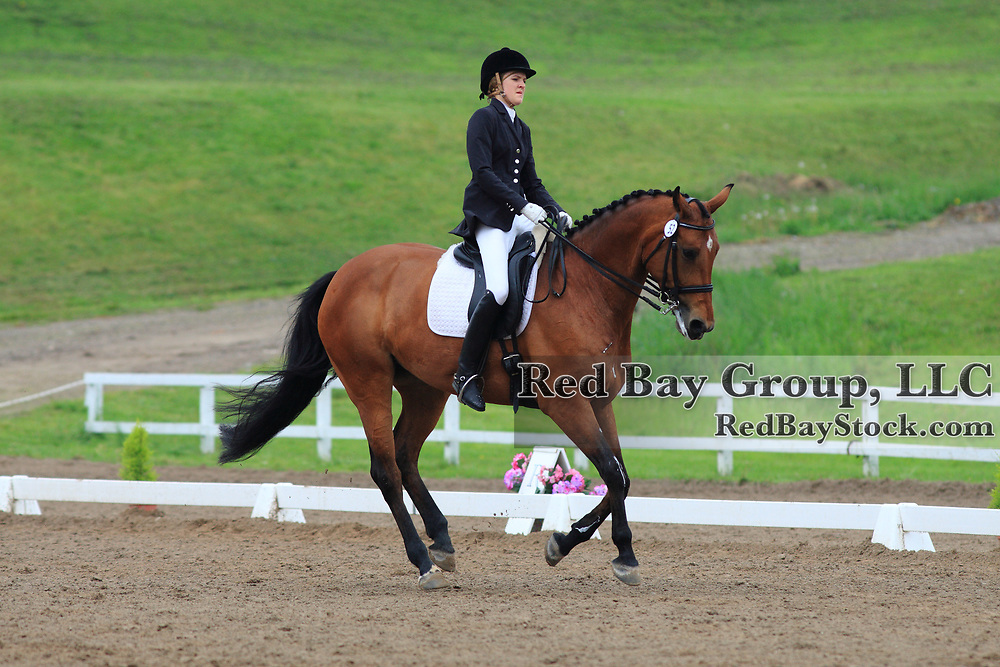 Lauren Madronich and Eastern Image at the 2010 Equivents Spring Classic in Milton, Ontario.