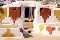 Inde - Rajasthan - Village peint des environs de Jaisalmer // India. Rajasthan. Village near Jaisalmer
