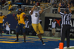 BERKELEY, CA - OCTOBER 06: Tight end Joseph Fauria #8 of the UCLA Bruins catches a pass for a touchdown against the California Golden Bears during the third quarter at California Memorial Stadium on October 6, 2012 in Berkeley, California. The California Golden Bears defeated the UCLA Bruins 43-17. (Photo by Jason O. Watson/Getty Images) *** Local Caption *** Joseph Fauria
