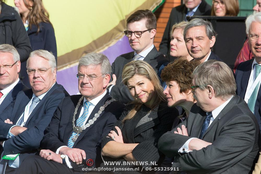 NLD/Vleuten/20160314 - Koningin Maxima aanwezig bij start 6e editie van de Week van het Geld,
