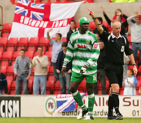 Fotball<br /> England 2005/2006<br /> Foto: SBI/Digitalsport<br /> NORWAY ONLY<br /> <br /> Swindon v Yeovil<br /> Coca Cola League 1.<br /> 27/08/2005.<br /> <br /> Yeovil's Efetobore Sodje is sent off with a red card.