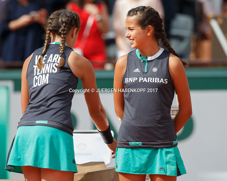 French Open 2017 Feature, Ballmaedchen bringen den Pokal auf den Platz,Siegerehrung,Praesentation<br /> <br /> Tennis - French Open 2017 - Grand Slam / ATP / WTA / ITF -  Roland Garros - Paris -  - France  - 11 June 2017.
