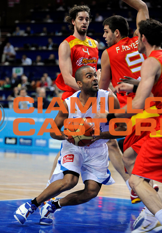 DESCRIZIONE : Katowice Poland Polonia Eurobasket Men 2009 Quarter Final Francia France Spagna Spain<br /> GIOCATORE : Tony Parker<br /> SQUADRA : Francia France<br /> EVENTO : Eurobasket Men 2009<br /> GARA : Francia France Spagna Spain<br /> DATA : 17/09/2009 <br /> CATEGORIA :<br /> SPORT : Pallacanestro <br /> AUTORE : Agenzia Ciamillo-Castoria/N.Parausic<br /> Galleria : Eurobasket Men 2009 <br /> Fotonotizia : Katowice  Poland Polonia Eurobasket Men 2009 Quarter Final Francia France Spagna Spain<br /> Predefinita :