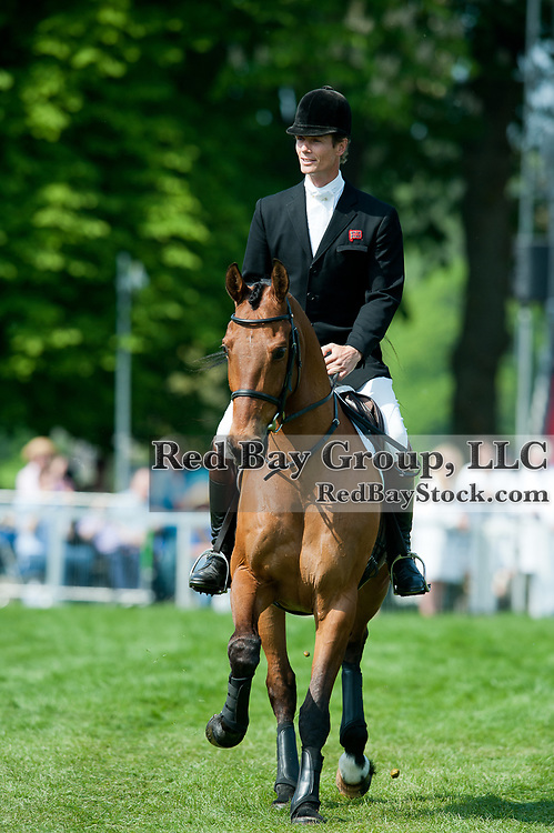 William Fox-Pitt presents Tamarillo to the crowd on his retirement at the 2011 Mitsubishi Motors Badminton Horse Trials in Badminton, Gloucestershire, UK.