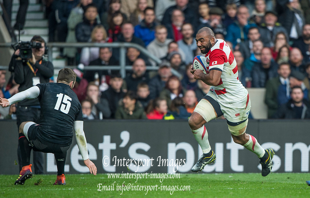 Twickenham, United Kingdom, Saturday, 17th  November 2018, RFU, Rugby, Stadium, England,  Michael LEITCH, running at Elliot DALY, during the Quilter Autumn International, England vs Japan, © Peter Spurrier