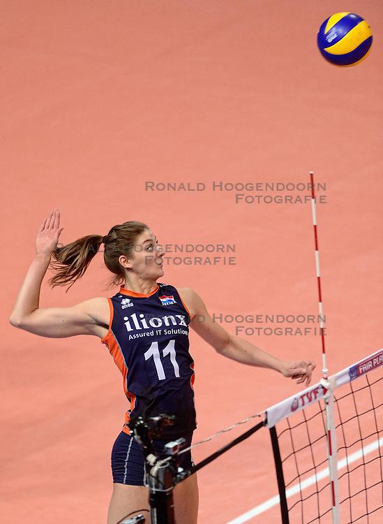 07-01-2016 TUR: European Olympic Qualification Tournament Nederland - Kroatie, Ankara<br /> Nederland verslaat Kroatië met 3-0 en gaat als groepswinnaar de halve finale in / Anne Buijs #11