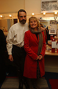 Jeremy irons and Sinead Cusack. Opening night of Embers, Duke of York's theatre. St. Martin's Lane. London. 1 March 2006. ONE TIME USE ONLY - DO NOT ARCHIVE  © Copyright Photograph by Dafydd Jones 66 Stockwell Park Rd. London SW9 0DA Tel 020 7733 0108 www.dafjones.com