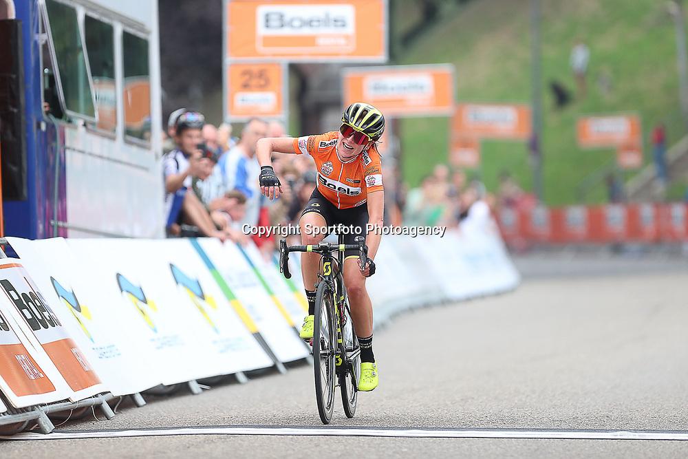 29-08-2018: Wielrennen: Ladies Tour: Nijmegen<br /> Annemiek van Vleuten soleert naar de overwinning in de etappe rond Nijmegen
