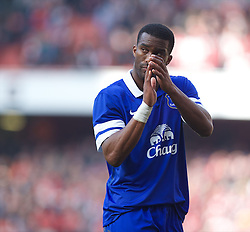 08.03.2014, Emirates Stadium, London, ENG, FA Cup, FC Arsenal vs FC Everton, Viertel Finale, im Bild Everton's Sylvain Distin looks dejected as his side crash out of the cup losing 4-1 to Arsenal // during the English FA Cup quater final match between Arsenal FC and Everton FC at the Emirates Stadium in London, Great Britain on 2014/03/08. EXPA Pictures &copy; 2014, PhotoCredit: EXPA/ Propagandaphoto/ David Rawcliffe<br /> <br /> *****ATTENTION - OUT of ENG, GBR*****