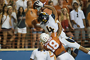 AUSTIN, TX - SEPTEMBER 19:  Kenny Lawler #4 of the California Golden Bears makes a leaping catch against the Texas Longhorns on September 19, 2015 at Darrell K Royal-Texas Memorial Stadium in Austin, Texas.  (Photo by Cooper Neill/Getty Images) *** Local Caption *** Kenny Lawler
