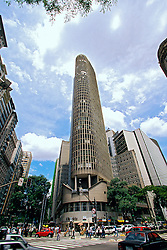 Sao Paulo, Sao Paulo, Brasil. .Edificio Italia, esquina das avenidas Ipiranga e Sao Luis, no centro da cidade.Building Italy inaugurated in 1965 in the corner of the Avenues Ipiranga and Sao Luiz.The central tower of the building has oval form, he Italy Terrace is one of the privileged points to see the city..Foto © Marcos Issa/Argosfoto.www.argosfoto.com.br