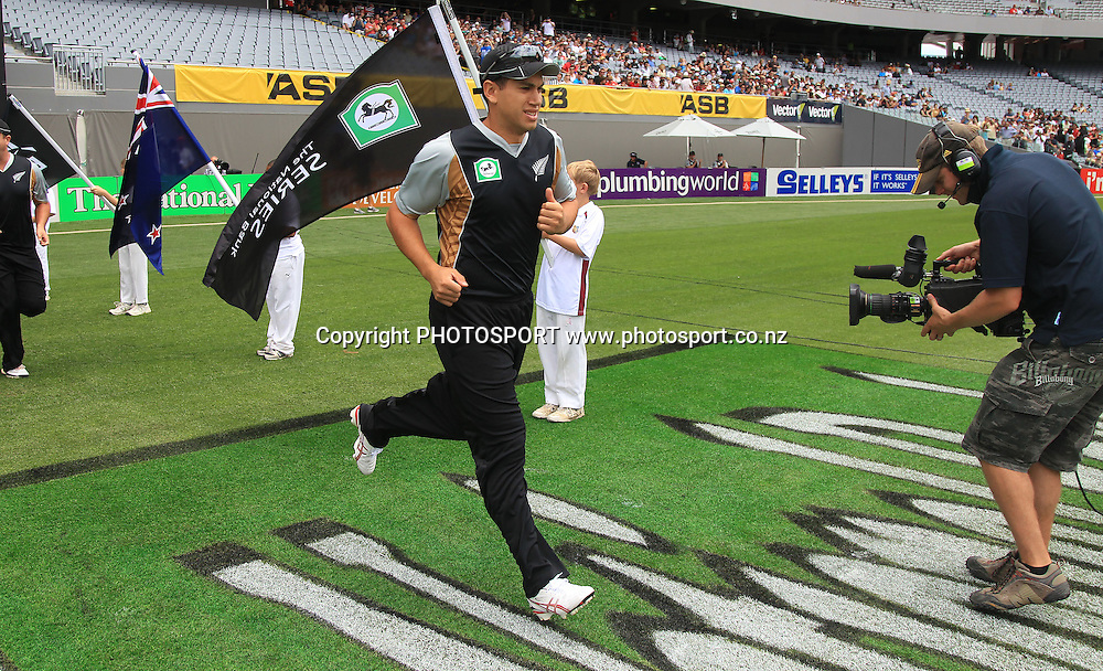 Ross Taylor. Twenty20 International Cricket match between The New Zealand Black Caps and Pakistan at Eden Park on Boxing Day, Sunday 26 December 2010. Photo: Andrew Cornaga/photosport.co.nz