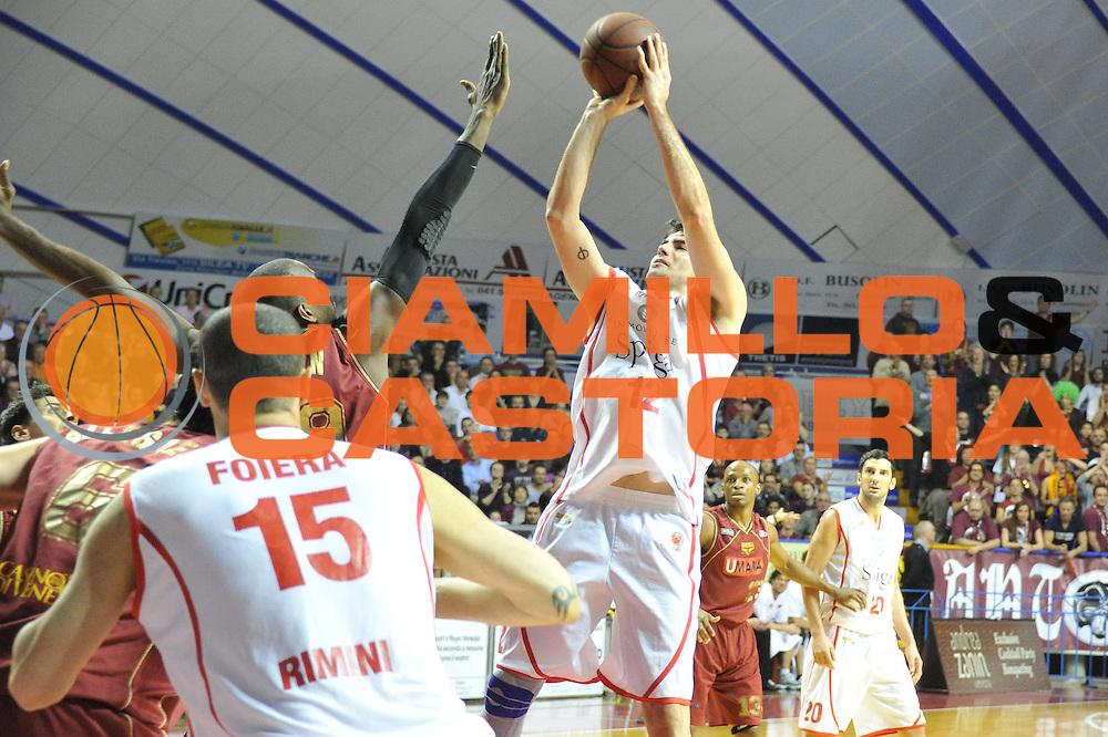 DESCRIZIONE : Venezia Lega Basket A2 2010-11 Umana Reyer Venezia Immobiliare Spiga Rimini<br /> GIOCATORE : Demian Filloy<br /> SQUADRA : Umana Reyer Venezia Immobiliare Spiga Rimini <br /> EVENTO : Campionato Lega A2 2010-2011<br /> GARA : Umana Reyer Venezia Immobiliare Spiga Rimini<br /> DATA : 06/3/2011<br /> CATEGORIA : Tiro<br /> SPORT : Pallacanestro <br /> AUTORE : Agenzia Ciamillo-Castoria/M.Gregolin<br /> Galleria : Lega Basket A2 2010-2011 <br /> Fotonotizia : Venezia Lega A2 2010-11 Umana Reyer Venezia Immobiliare Spiga Rimini<br /> Predefinita :