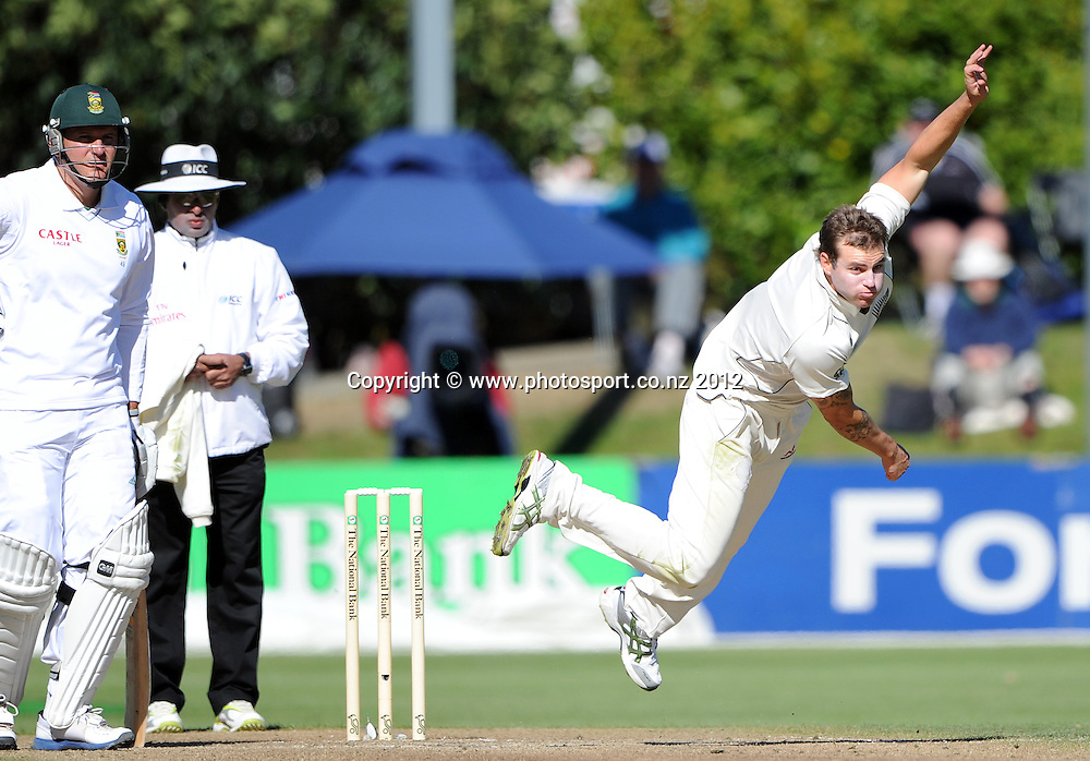 Doug Bracewell bowling on Day 3 of the first test match between South Africa and New Zealand at the University Oval in Dunedin, New Zealand on Friday 9 March 2012. Photo: Andrew Cornaga/Photosport.co.nz