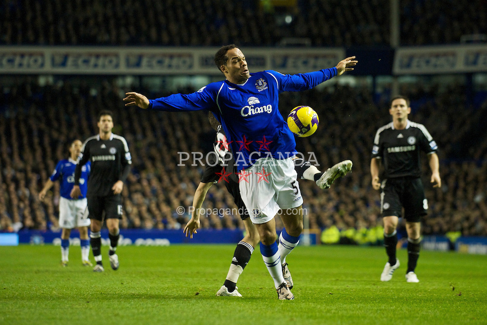 LIVERPOOL, ENGLAND - Monday, December 22, 2008: Everton's Joleon Lescott in action against Chelsea during the Premiership match at Goodison Park. (Photo by David Rawcliffe/Propaganda)
