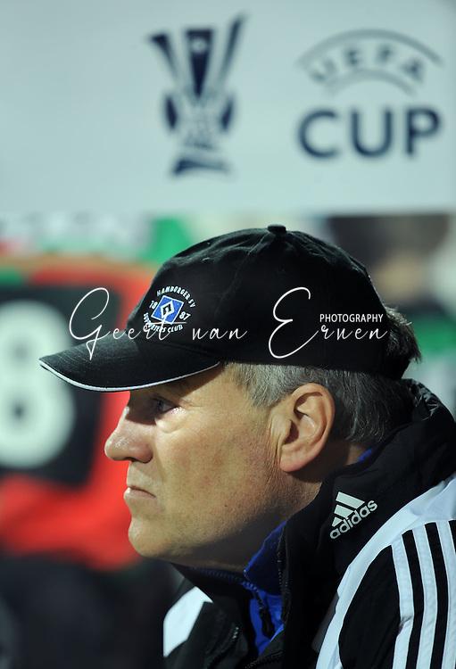 18-02-2009: voetbal: NEC - Hamburger SV: Nijmegen: UEFA Cup<br /> Martin Jol speelt met zijn HSV in de UEFA cup tegen NEC Nijmegen<br /> Fotograf: Geert van Erven