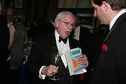 David Starkey, Royal Academy Annual Dinner. Piccadilly. London. 5 June 2007.  -DO NOT ARCHIVE-© Copyright Photograph by Dafydd Jones. 248 Clapham Rd. London SW9 0PZ. Tel 0207 820 0771. www.dafjones.com.
