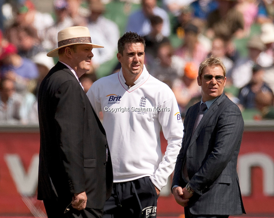 L-r: Tony Grieg; Kevin Pietersen & Shane Warne during the fourth Ashes test match between Australia and England at the MCG in Melbourne, Australia. Photo: Graham Morris (Tel: +44(0)20 8969 4192 Email: sales@cricketpix.com) 28/12/10