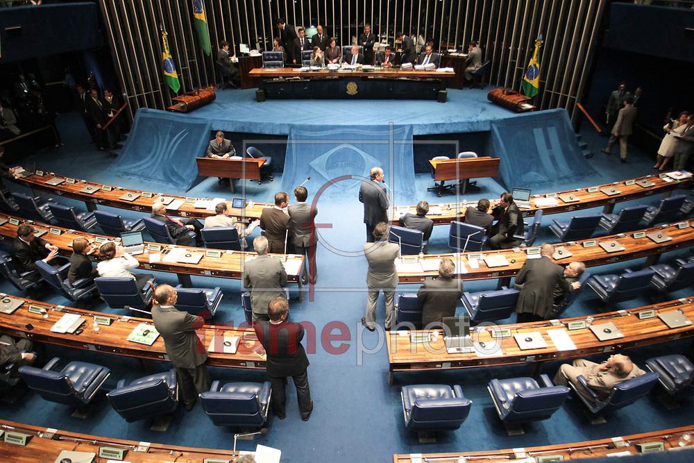 Brasilia, 01/04/2014. Presidente do Senado Federal Senador Renan Calheiros, durante a leitura da instalacao da CPI da Petrobras, no plenario do senado.Foto: Joel Rodrigues/FRAME