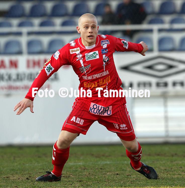 5.5.2012, Tehtaan kentt?, Valkeakoski..Veikkausliiga 2012..FC Haka - FF Jaro..Thomas Kula - Jaro