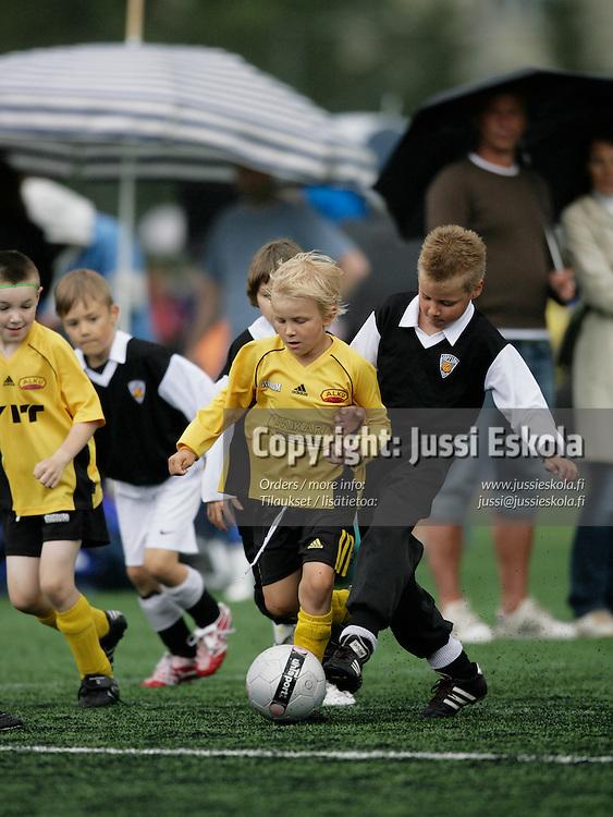 Pojat H8 KäPa/Musta-KelA/Arsenal. Helsinki Cup, ke 11.7.20007. Photo: Jussi Eskola