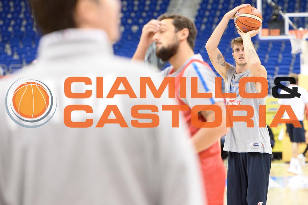 DESCRIZIONE: Berlino EuroBasket 2015 - Allenamento<br /> GIOCATORE: Achille Polonara<br /> CATEGORIA: Allenamento<br /> SQUADRA: Italia Italy<br /> EVENTO:  EuroBasket 2015 <br /> GARA: Berlino EuroBasket 2015 - Allenamento<br /> DATA: 08-09-2015<br /> SPORT: Pallacanestro<br /> AUTORE: Agenzia Ciamillo-Castoria/I.Mancini<br /> GALLERIA: FIP Nazionali 2015<br /> FOTONOTIZIA: Berlino EuroBasket 2015 - Allenamento