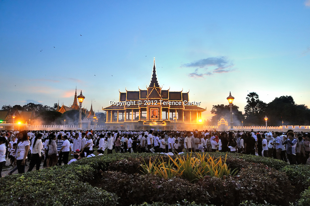 Mourners await King Father Norodom Sihanouk's body to be returned to the Royal Palace, Phnom Penh, starting a week of mourning in Cambodia.
